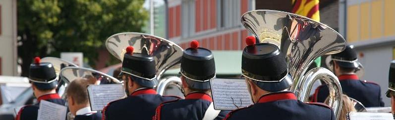 Schädegg-Höck mit der Bürgermusik Gonten